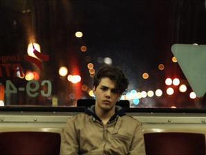 """""""És mi a helyzet a lányokkal?"""" Egy 17 éves meleg fiú őszinte története"""