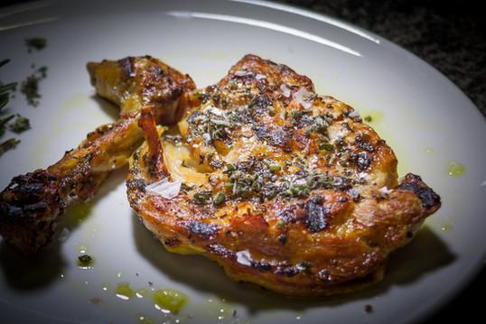 Bistecca di pollo Cinelli alle erbe aromatiche  Cinelli's chicken leg steak, aromatic herbs