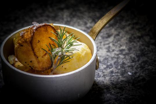 Patate di Pian di Mommio al forno(  Baked Pian di Mommio potatoes