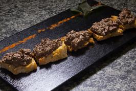 Bruschetta di fegatini toscani con salvia croccante  Tuscan livers bruschetta with crispy sage