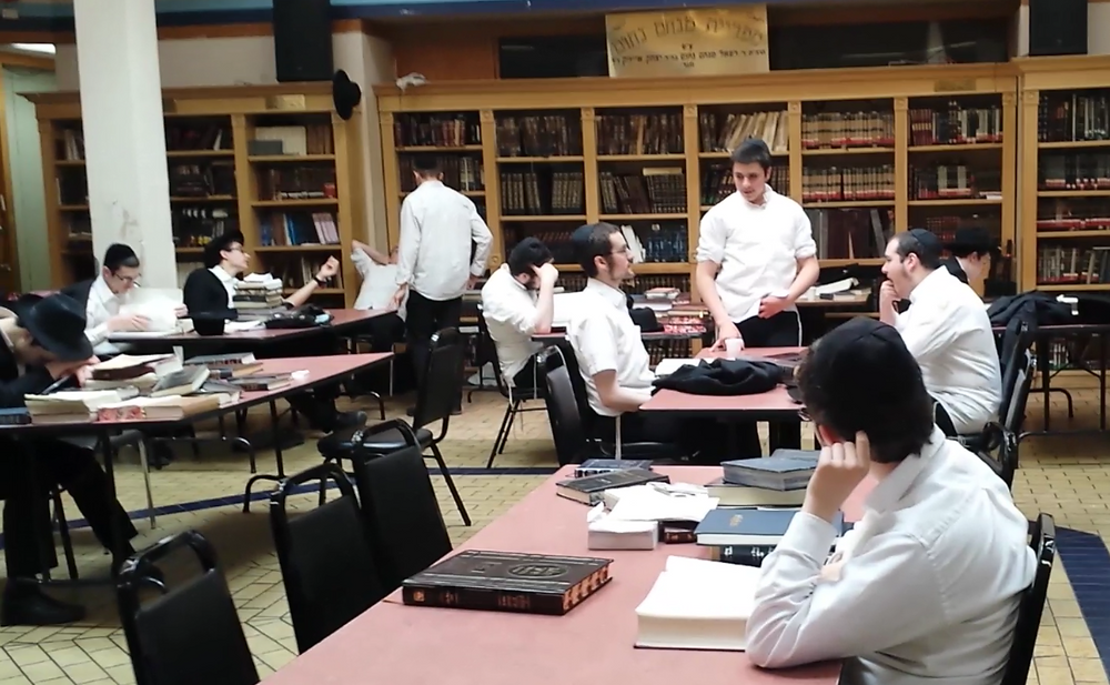First ever Discovery Week visit to a Hasidic Jewish yeshiva. The young men study Talmud 14 hrs/day, 7 days/wk