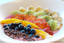 TWO BIRDS SUMMER BERRY SMOOTHIE BOWL