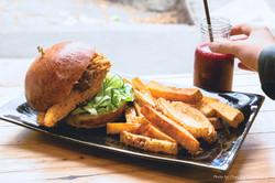 Fried Chicken Burger w Chips