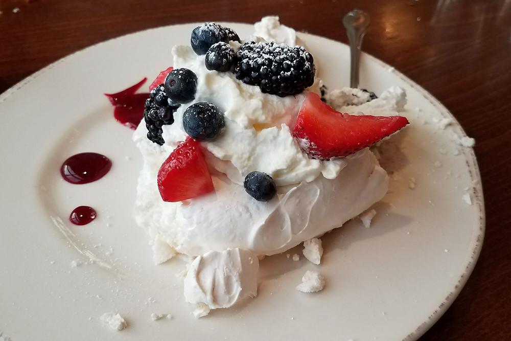 South Restaurant: pavlova