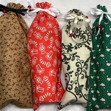 WINE BAGS WITH SEASONAL FABRIC PATTERNS