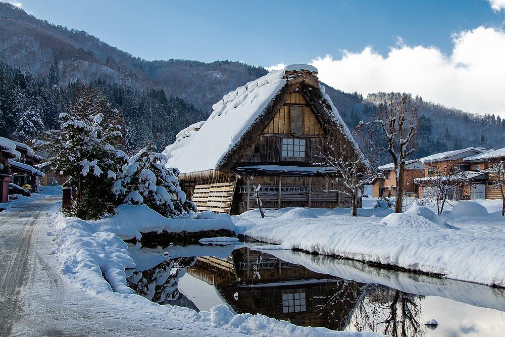 Shirakawa go con la neve