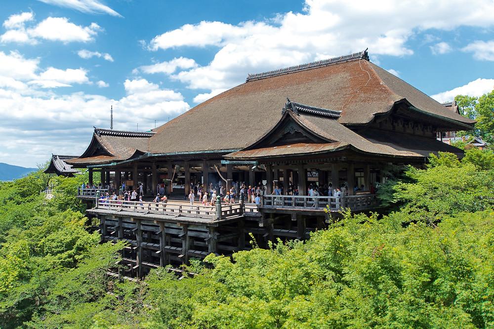 Vista del maestoso Kiyomizu Dera