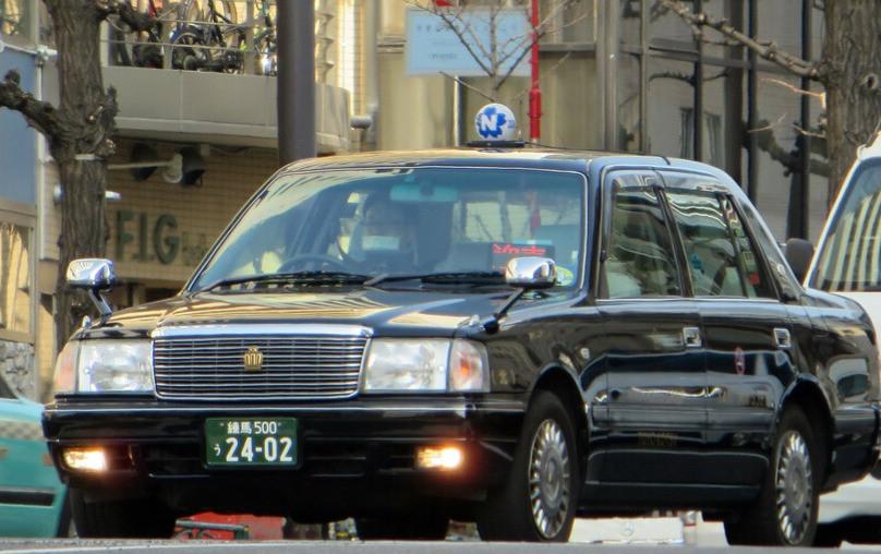 Un classico taxi a Tokyo