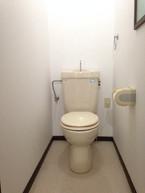1F toilet