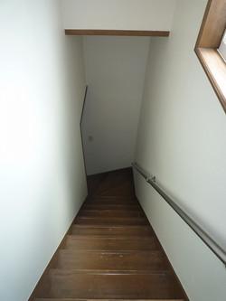 1樓到2樓的樓梯間