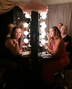 Makeup lessons & parties on Maui with friends with the best cosmetics. Maui Makeup Artist