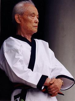 great-grandmaster-hwang-kee.jpg