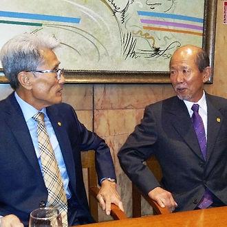 Moo Duk Kwan Presidents Lee and  Hwang.j