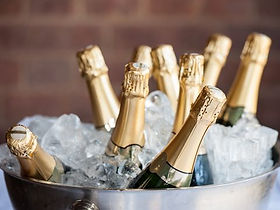 champagne-weddings-1528109671.jpg