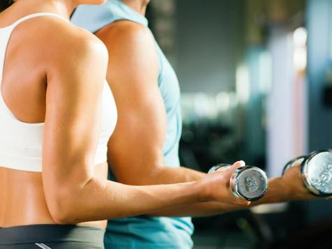 Musculação fortalece função cardíaca e auxilia no controle do colesterol