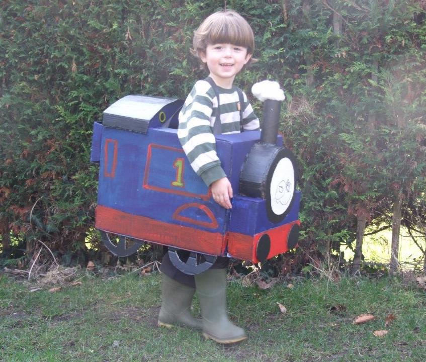 Thomas dress up