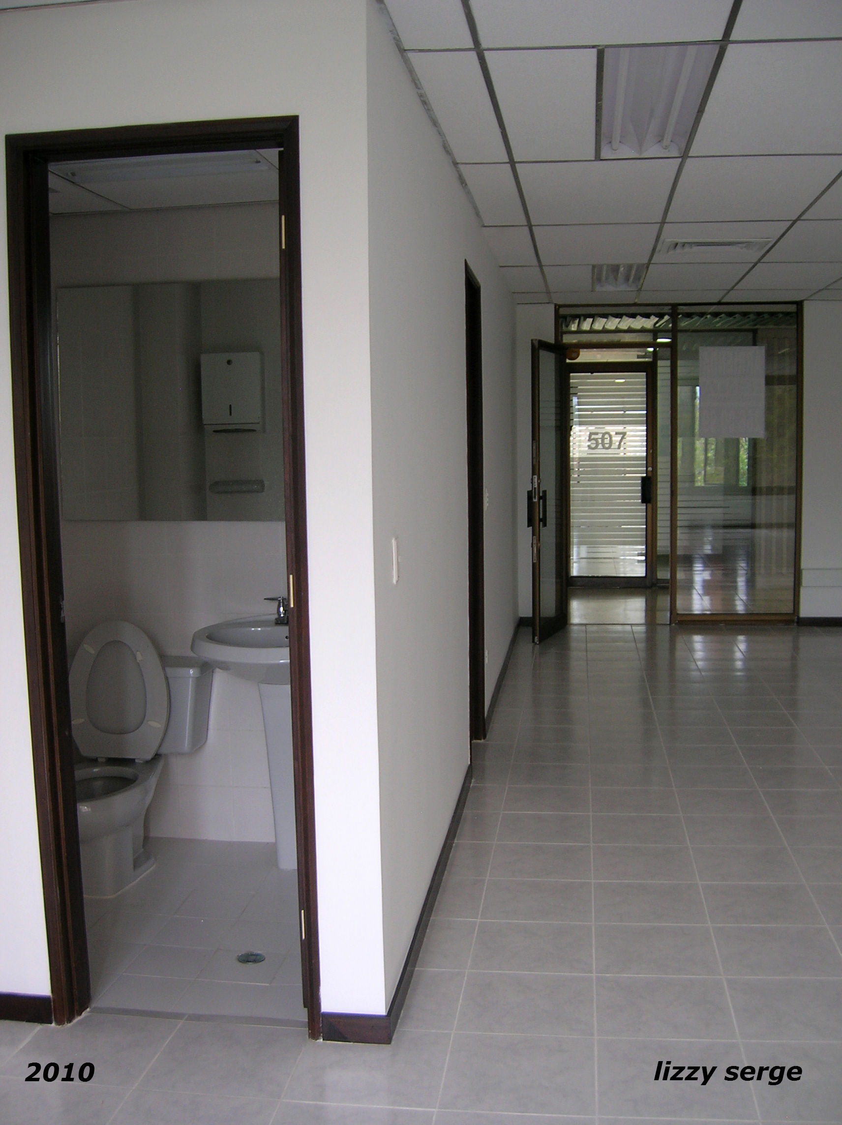 Reforma de espacios para oficinas.