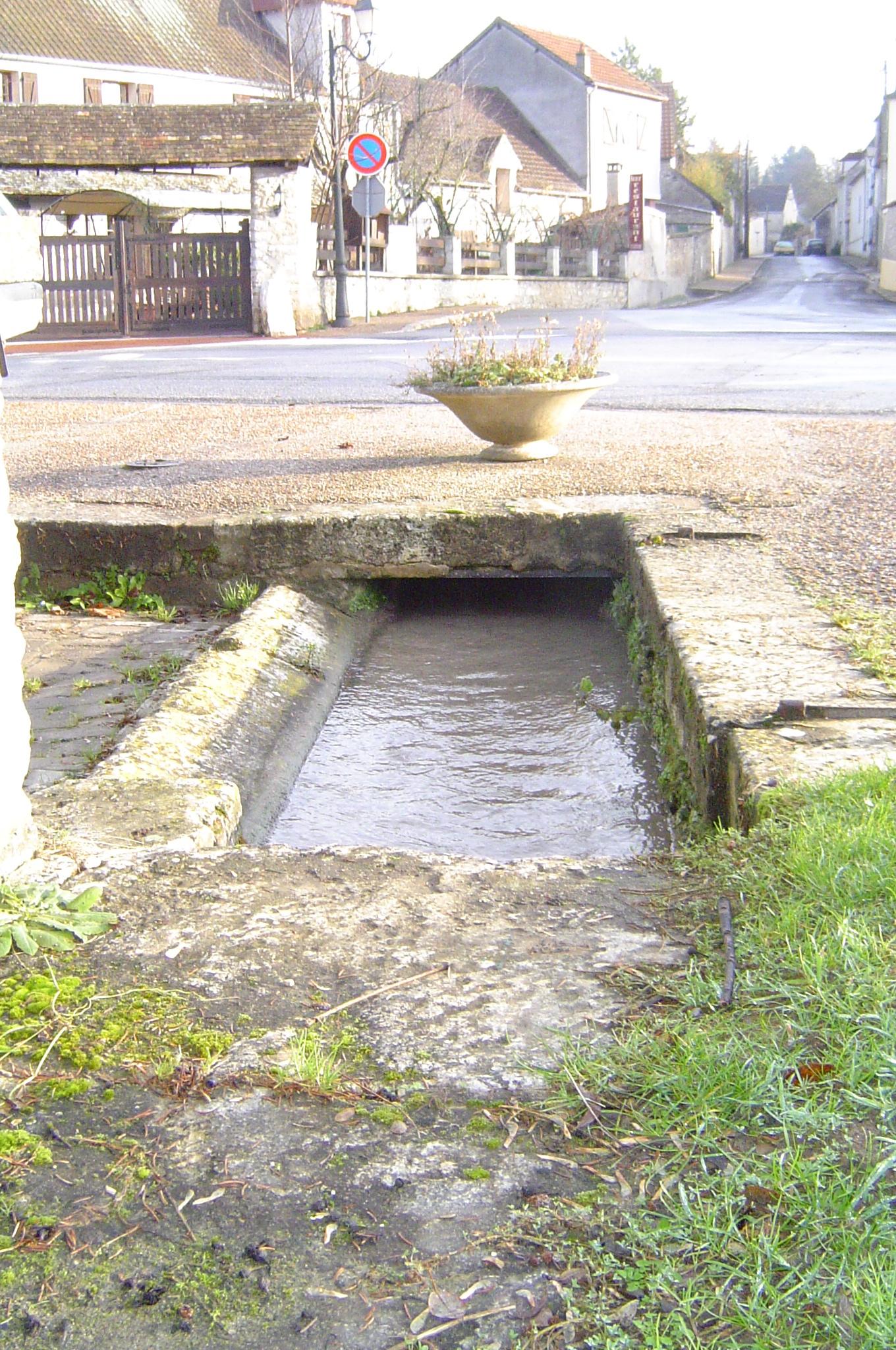 Petit lavoir à Montreuil