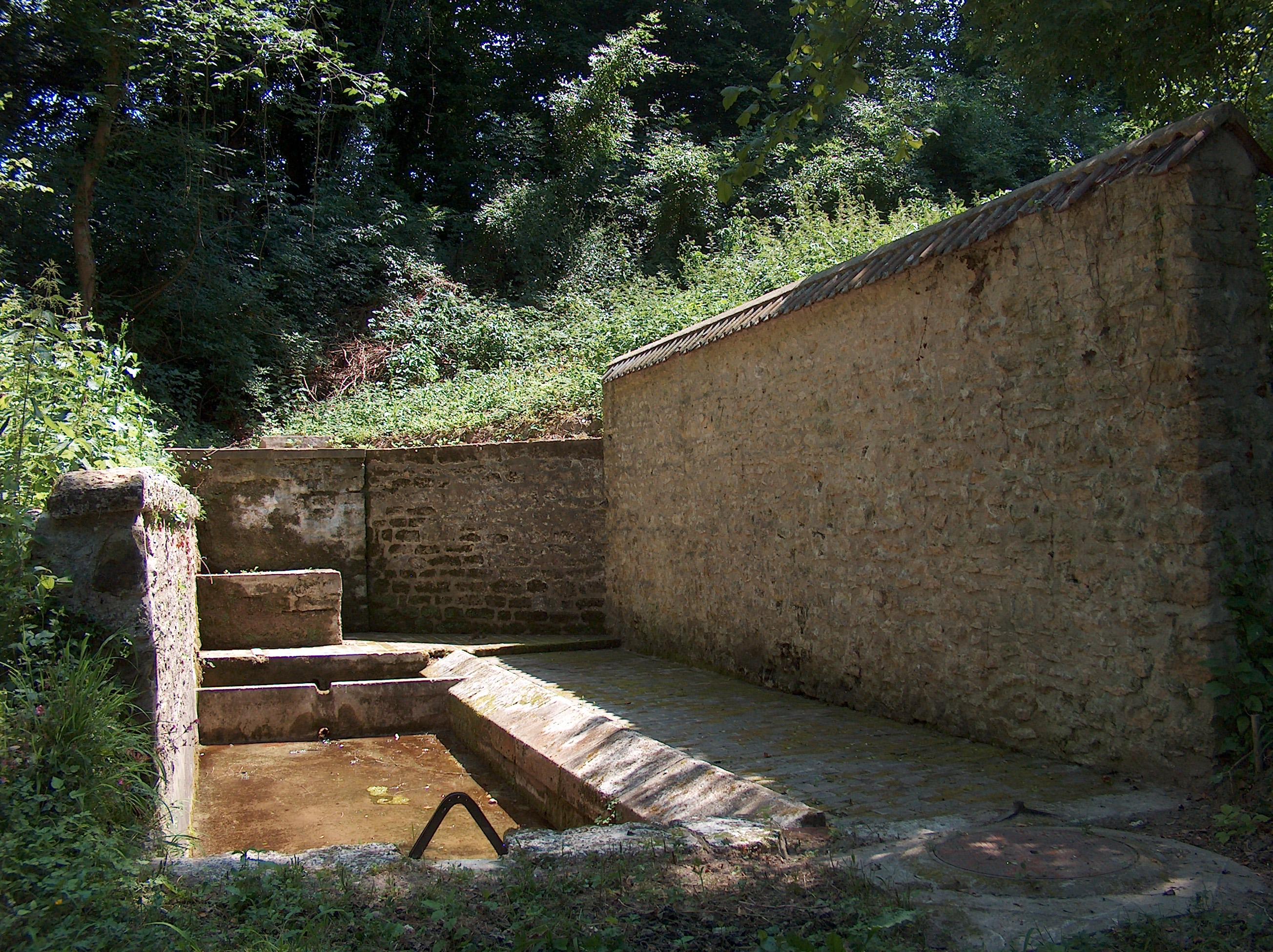 Lavoir rue des Fontaines