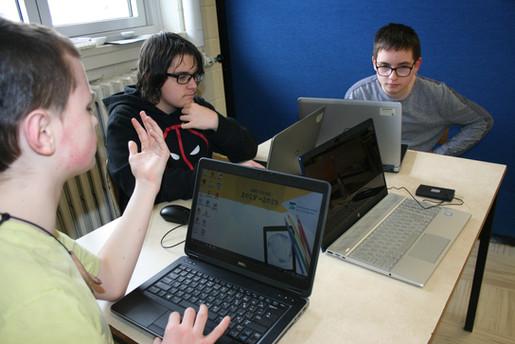 Conception et animation d'un parcours type Media Lab avec des jeunes du secondaire