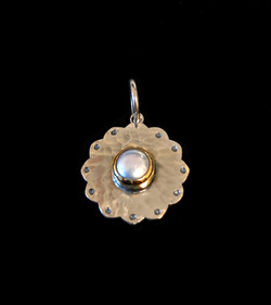 Gold and Pearl Pendant