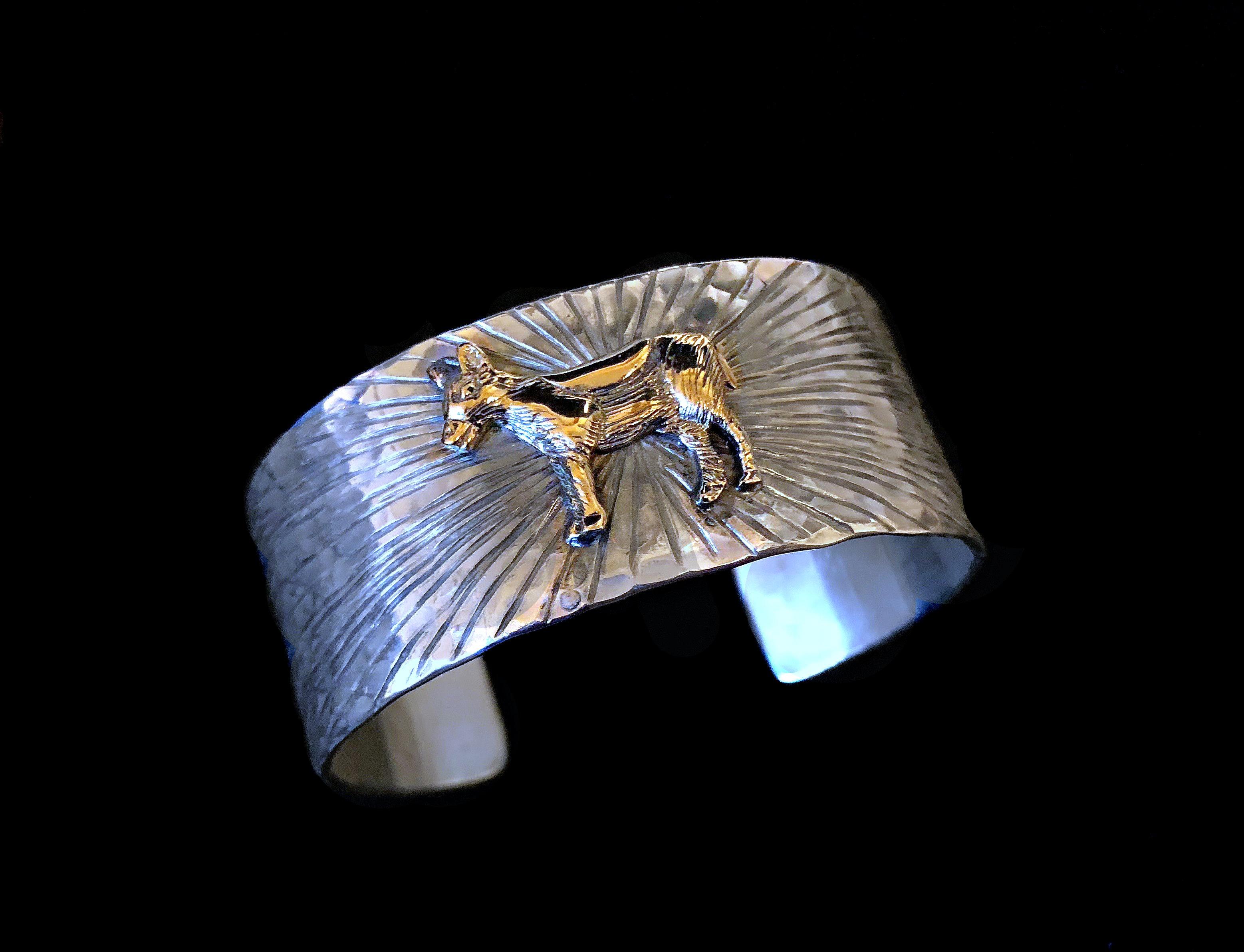 Radiating Gold Donkey Cuff