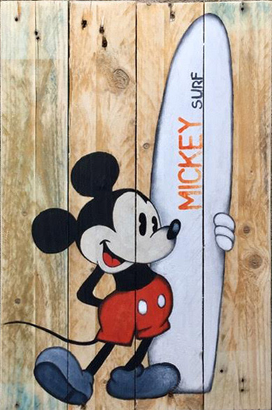Mickey classic surfeur
