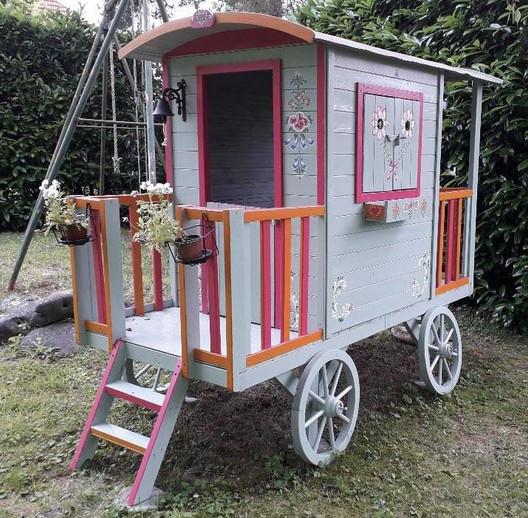 Décors peints sur une roulotte