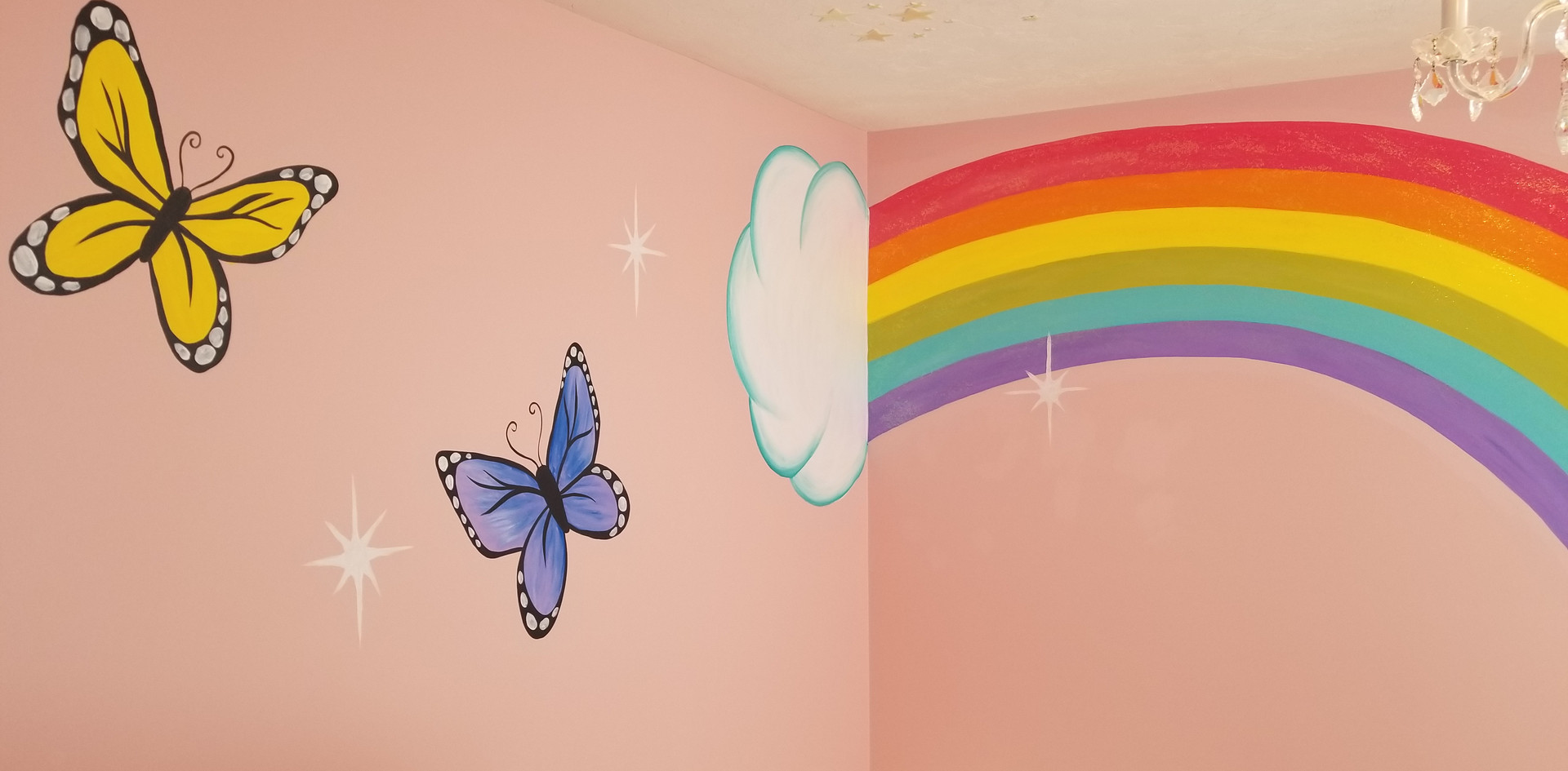Little girls bedroom mural with glitter paint