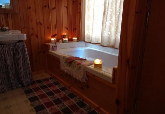 Walleye Retreat Cabin/w Jacuzzi Tub