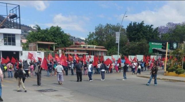 Sol Rojo protest Oaxaca