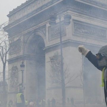 FRANCE - Hundred thousands of people revolt agianst high oil prices and government