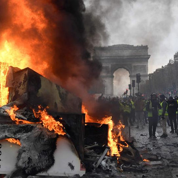 FRANCE - Protests and strikes do not stop!
