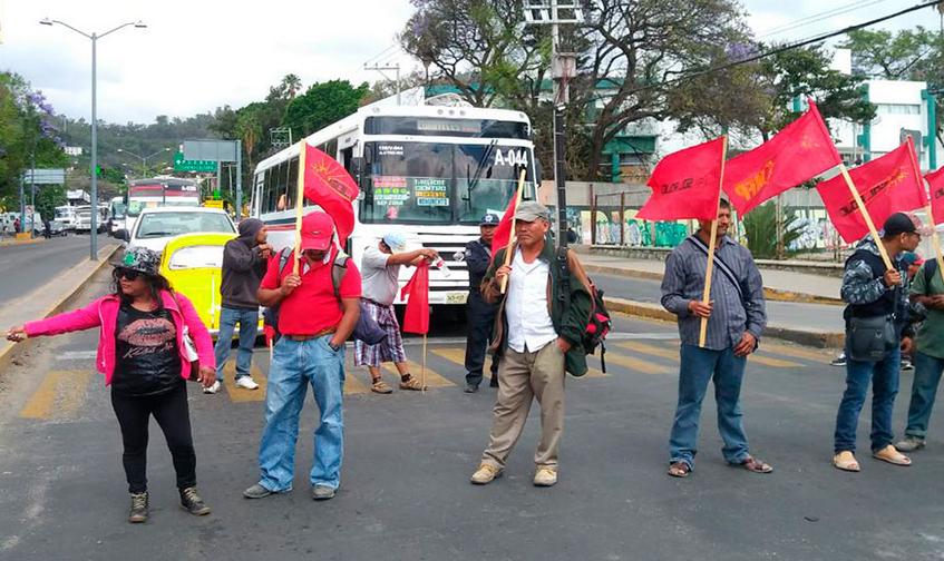 Sol Rojo street blockade