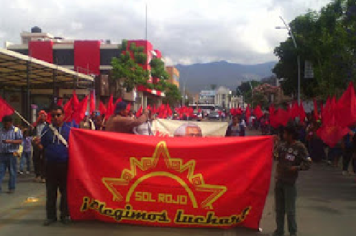 Sol Rojo 200 marching with masses