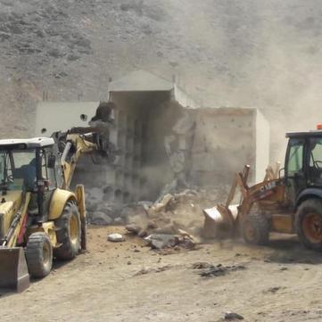 PERU - Mausoleum of Sendero Luminoso demolished!