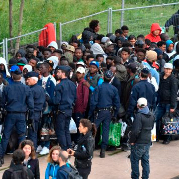 FRANCE - Migrants camp cleared