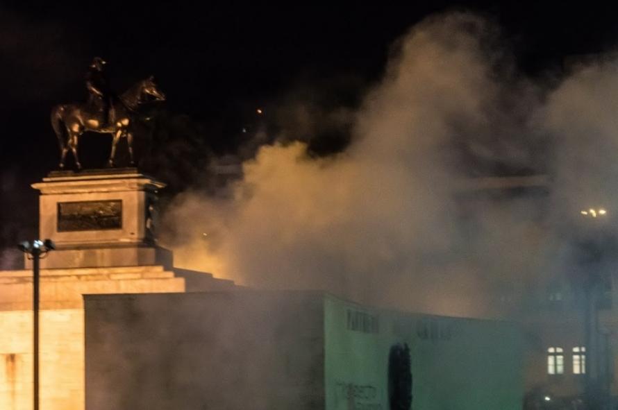 General strike Rio de Janeiro smoke at r
