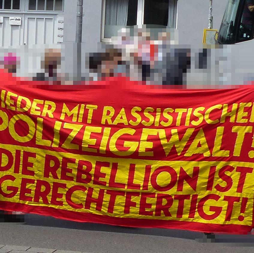 Aachen_Demo_gegen_Nazi_Bullen_2