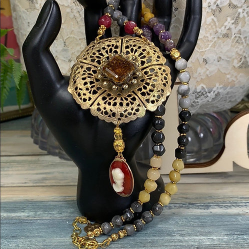 Red yellow Bold lady stone bead yellow topaz cameo necklace