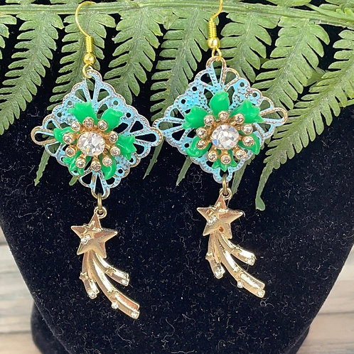 Adorned Crown assemblage catch a star earrings
