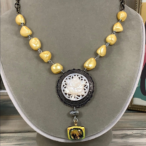 Sunset glass carved shell yellow pearl necklace