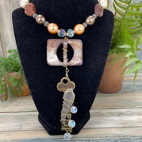Memories vintage shell buckle key necklace