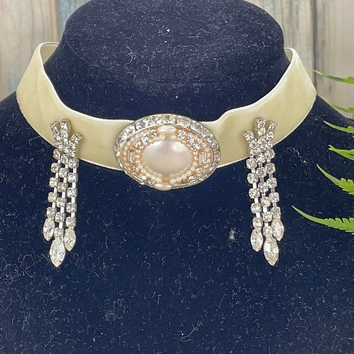 Adorned Crown Victorian velvet choker necklace