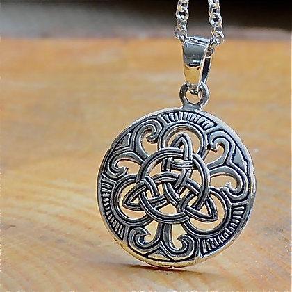 Celtic Triquetra disc