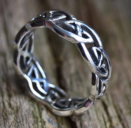 Celtic cut out ring