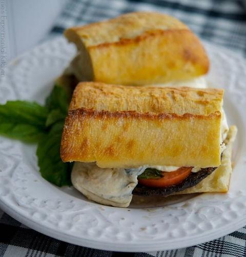 Portobello-Sandwiches-with-Fresh-Mozzarella-Tomato-Basil-cek_edited_edited_edited.jpg