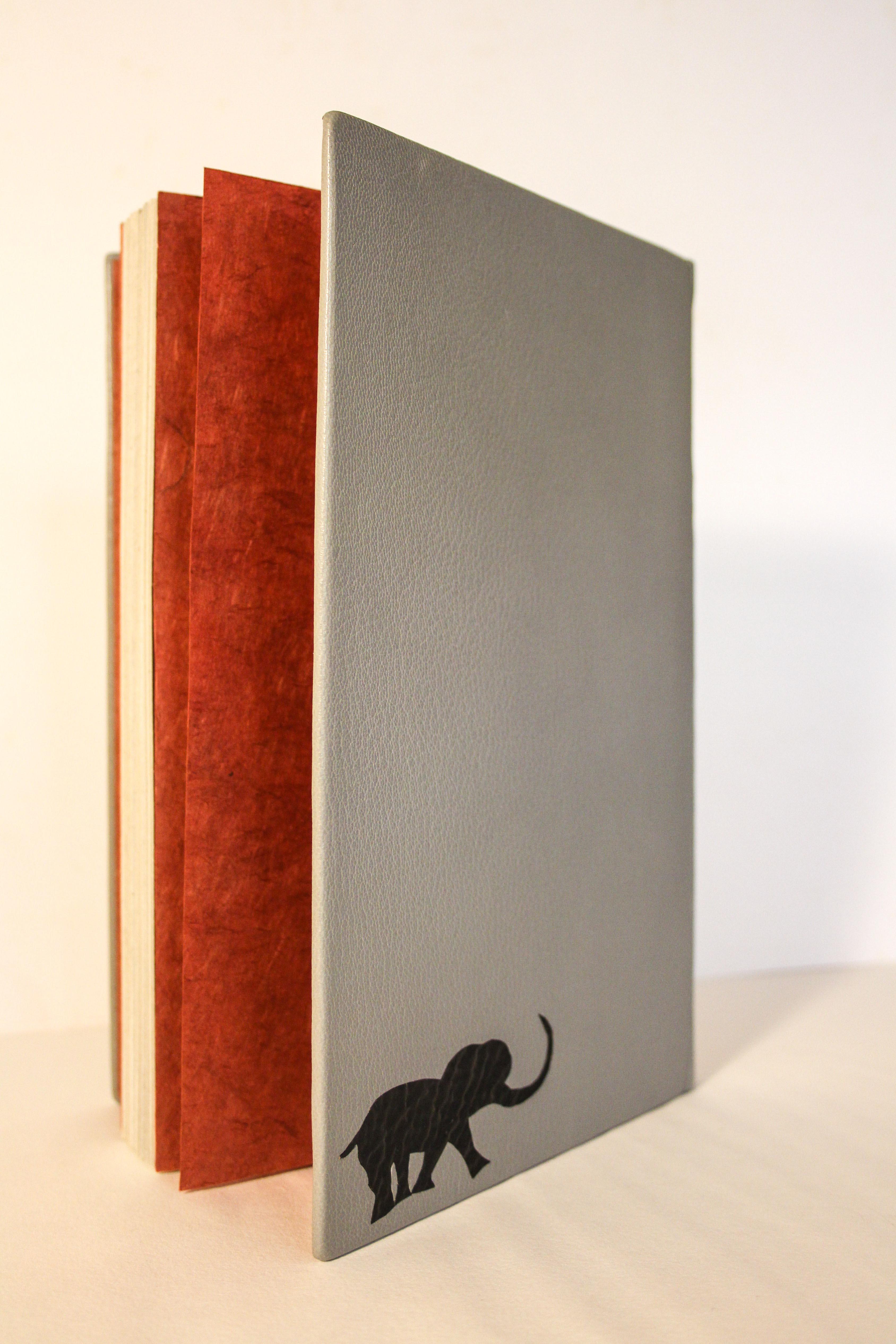 Reliure d'un livre d'artiste
