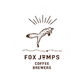 【FoxJumpsCoffeeBrewers(フォックス ジャンプス コーヒー ブリュワーズ)】は、中央道伊那スキーリゾート内で、雪の降る季節にだけ活動するスペシャルティコーヒースタンドです。