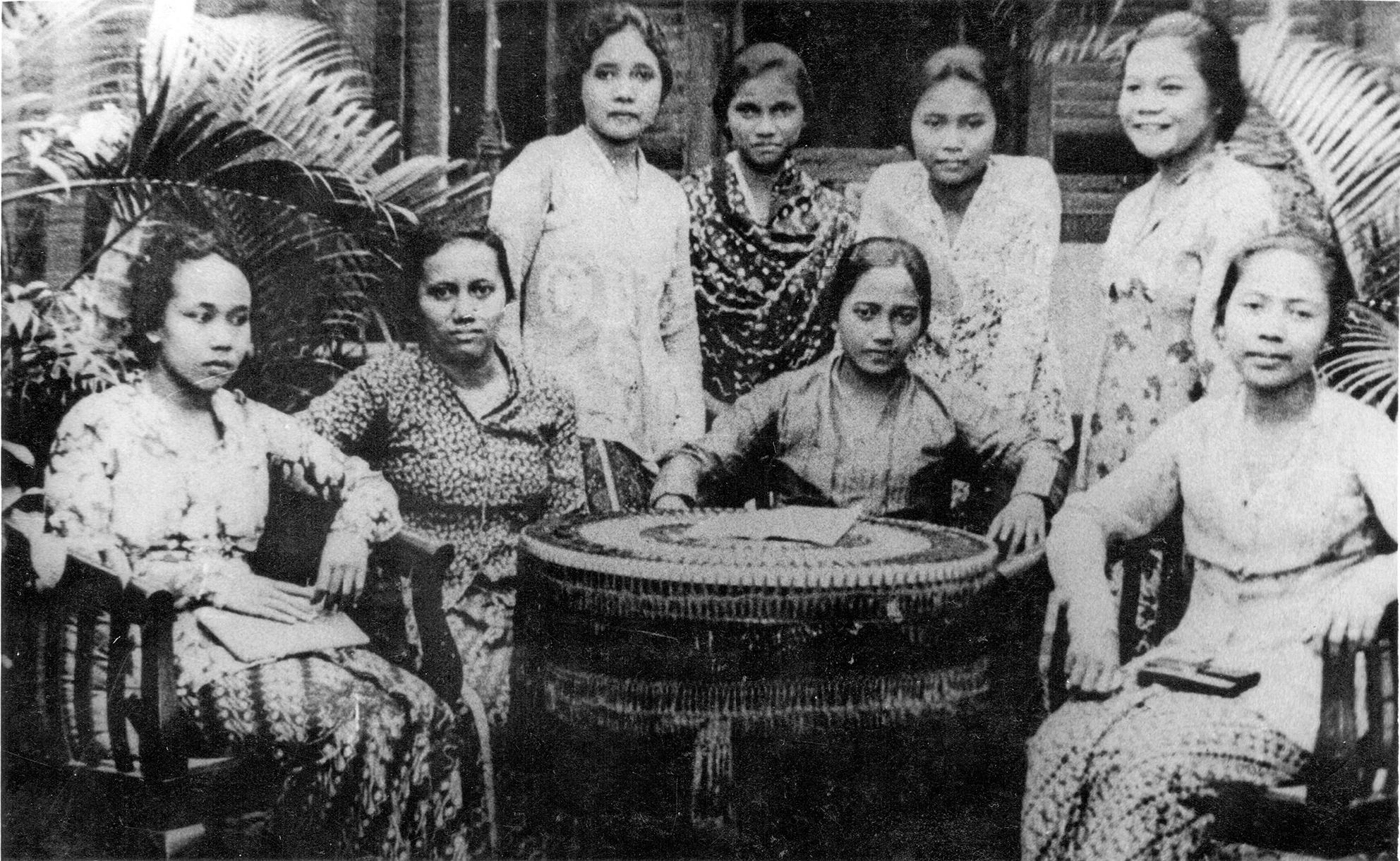 Pengurus Keputrian Indonesia Muda pada 1929